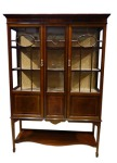 Edwardian mahogany and satinwood inlaid Irish 2 door display cab